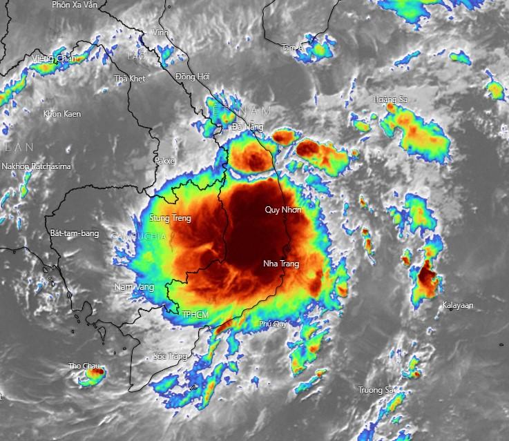 Áp thấp nhiệt đới đổ bộ vào Khánh Hoà, mưa to trong ngày hôm nay tại Nam Trung Bộ và Tây Nguyên